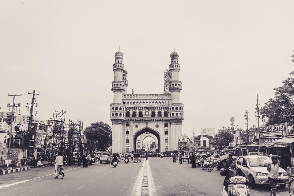 The Travel Speak - Travel Story - Benifer Gandhi - Hyderabad - Charminar