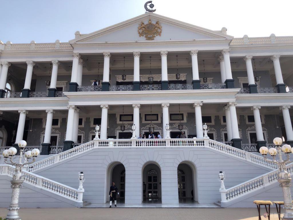 The Travel Speak - Travel Story - Benifer Gandhi - Hyderabad - Falaknuma Palace